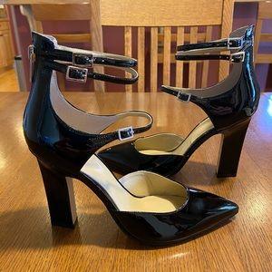 Marc Fisher black patent leather heels / pumps sz7